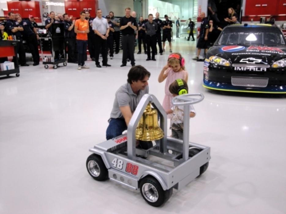 Jeff Gordon Rings Victory Bell To Celebrate Win Hendrick Motorsports