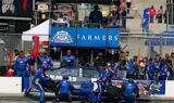Kasey Kahne and the No. 5 team at Chicago