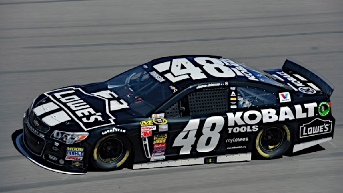 7,200 miles and counting&#x3B; Jimmie Johnson brings Chassis No. 48-728 to Bristol