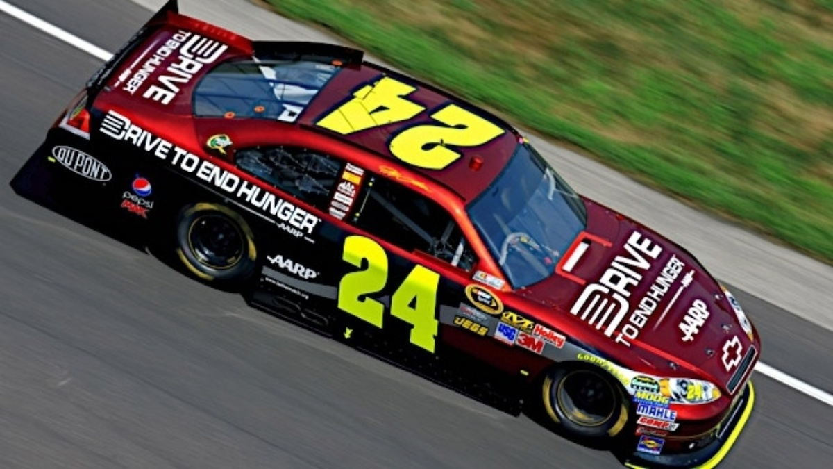 Chase Card Services joins Drive to End Hunger on No. 24 Chevy for Richmond and Dover races