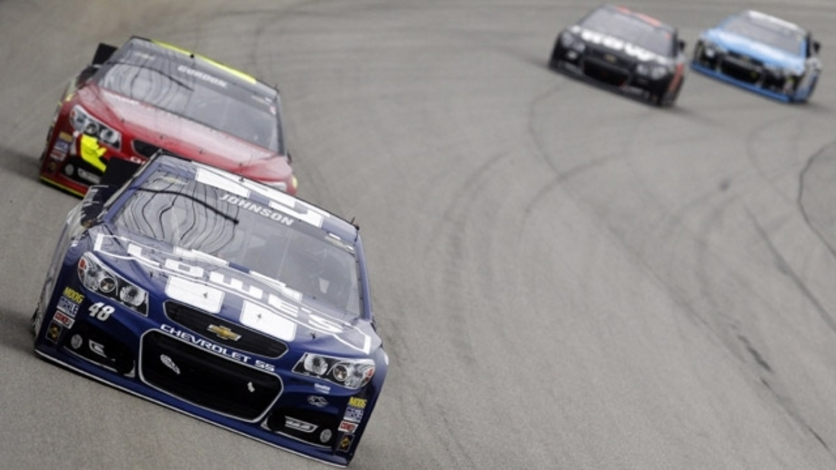 Hendrick Motorsports trio finishes in top 12 under lights at Chicagoland