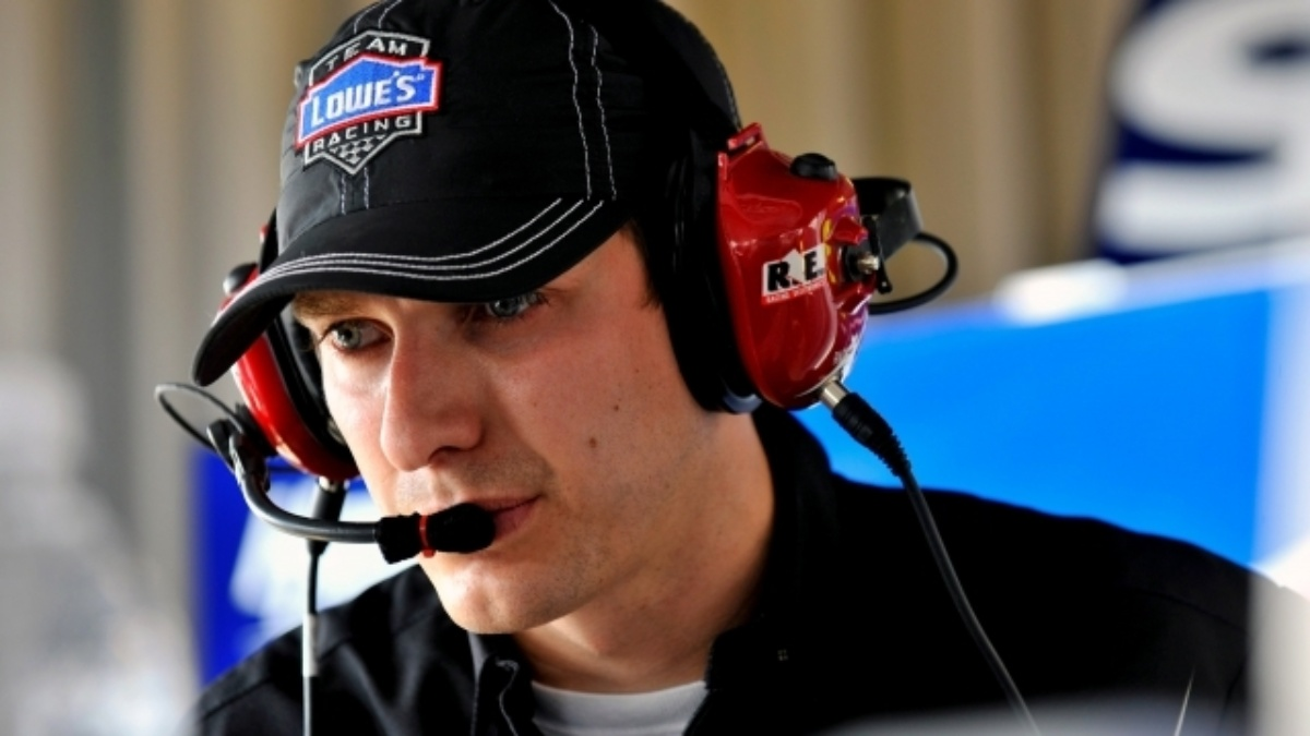 Crew chief Greg Ives to lead No. 88 team in 2015