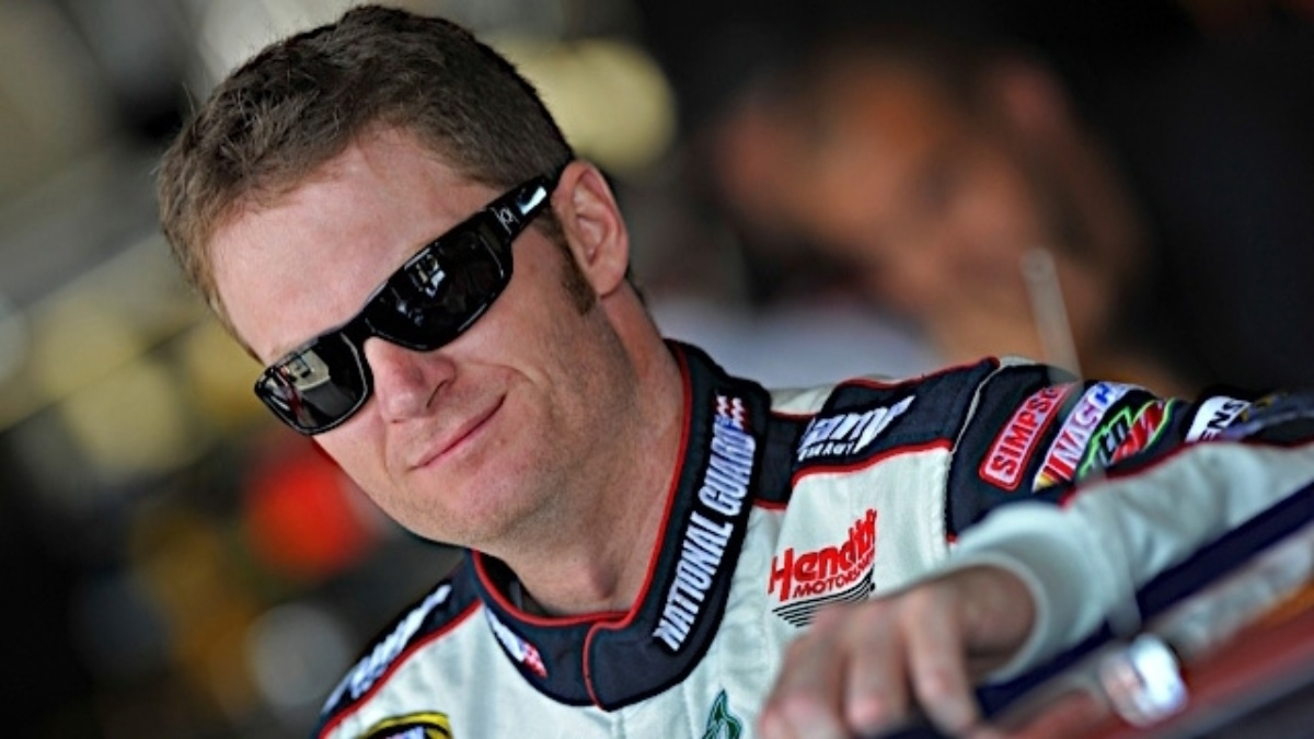 Dale Earnhardt Jr. and Hendrick Motorsports extend relationship
