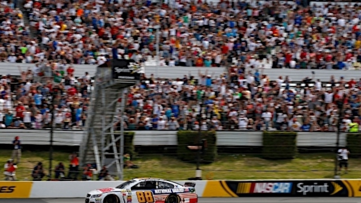 Dale Earnhardt Jr. takes the checkered flag at Pocono