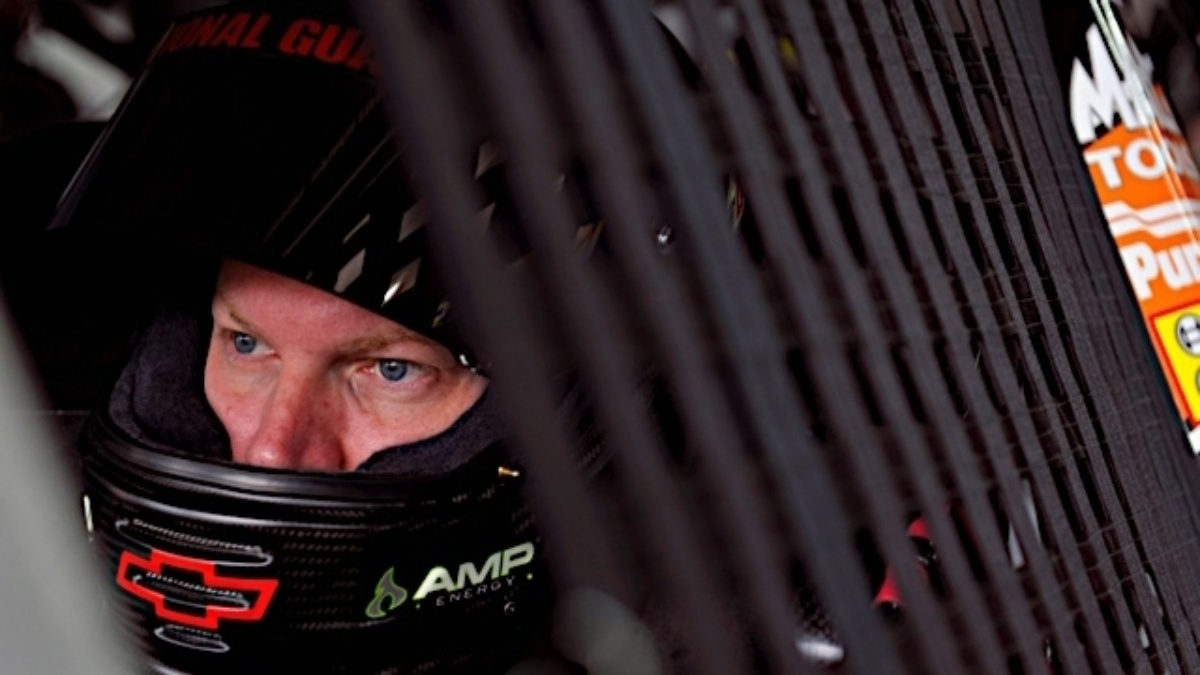 Dale Earnhardt Jr. to unveil special paint scheme during Fan Fest
