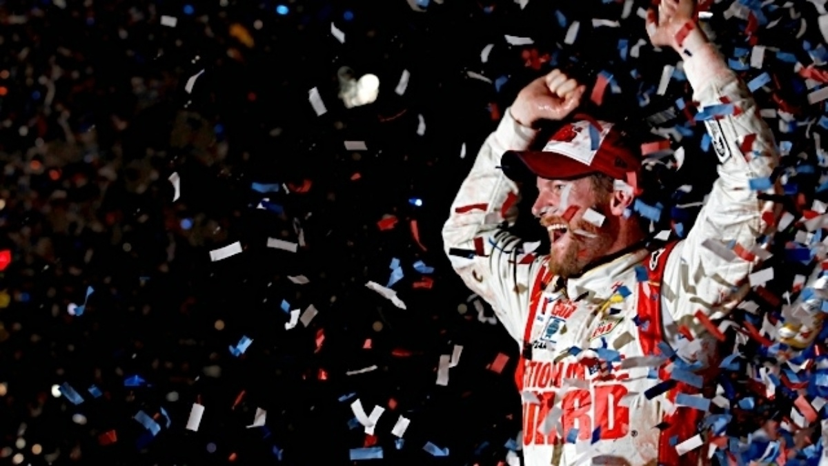 Dale Earnhardt Jr. voted First Quarter Driver of the Year