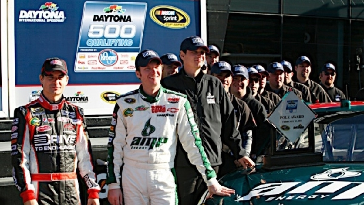 Earnhardt, Gordon on front row for 2011 Daytona 500