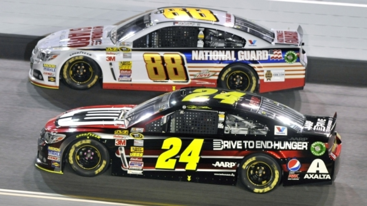 Earnhardt, Gordon qualify inside top eight at Daytona