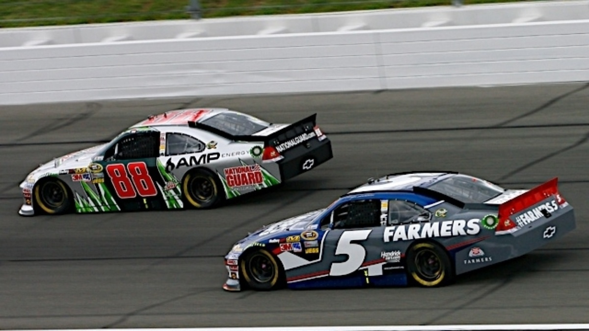 Earnhardt, Kahne finalists for cover of NASCAR The Game: Inside Line