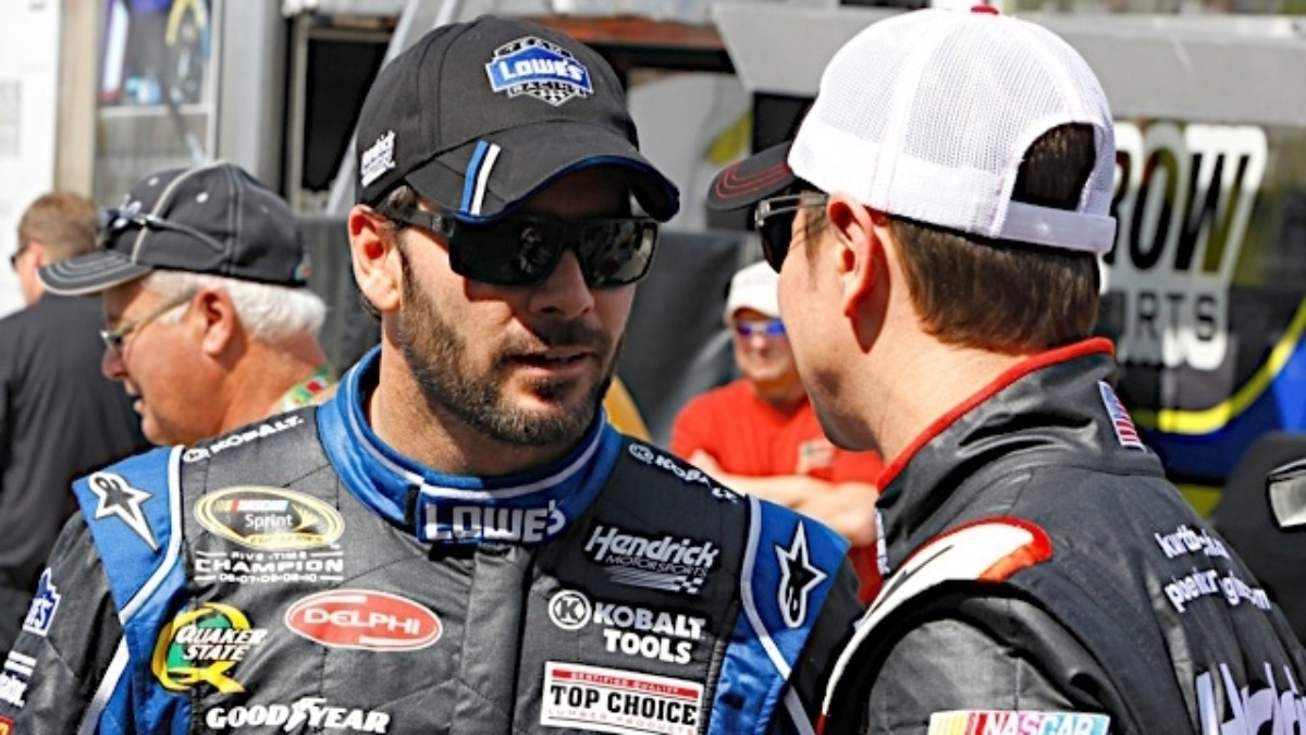 Earnhardt, Johnson to start Daytona 500 in top eight after Thursday's Duels