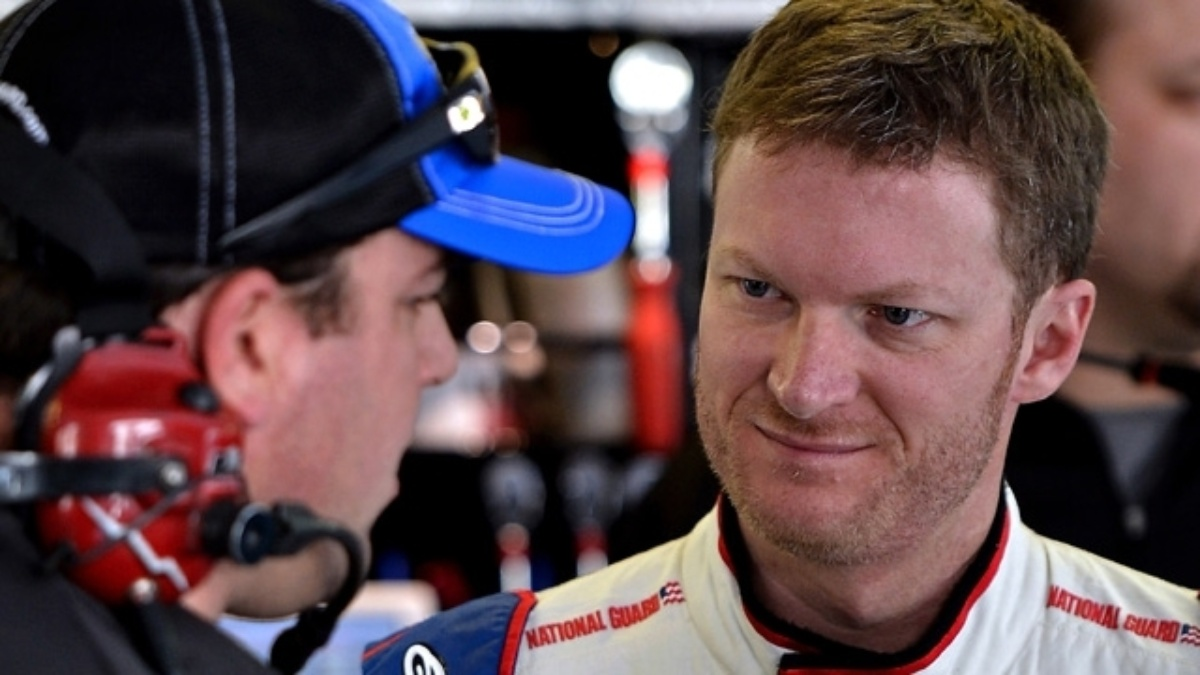 Earnhardt reflects on Cup season, looks ahead to 2014