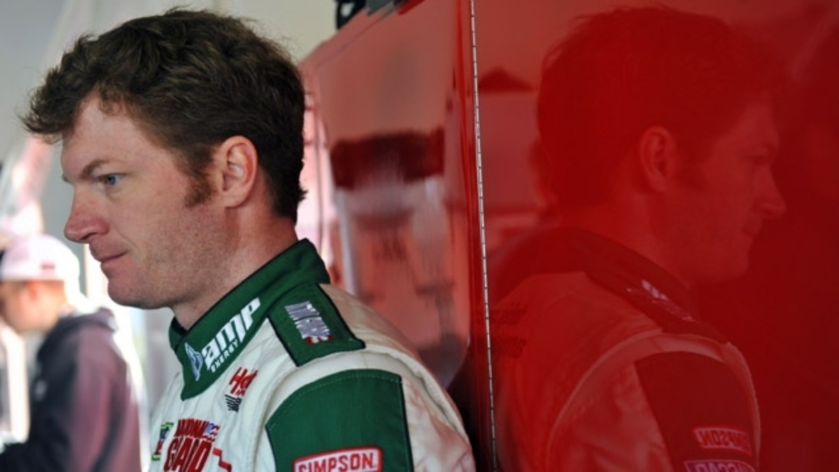 Earnhardt's focus is the lead for Saturday's Shootout