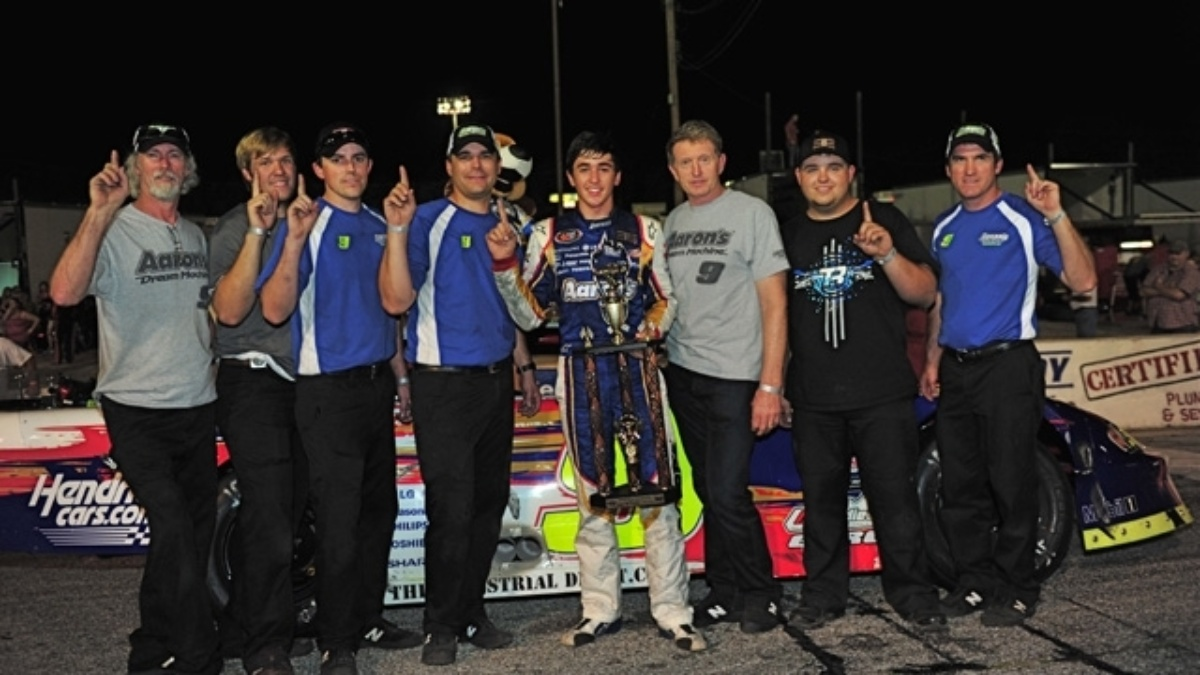 Elliott wins super late model event at Five Flags