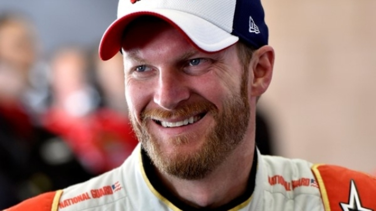 Fantasy football leads to friendship for Earnhardt, Ives
