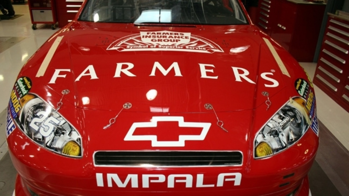 Farmers Insurance teams with Blessings in a Backpack to honor No. 25 throwback scheme