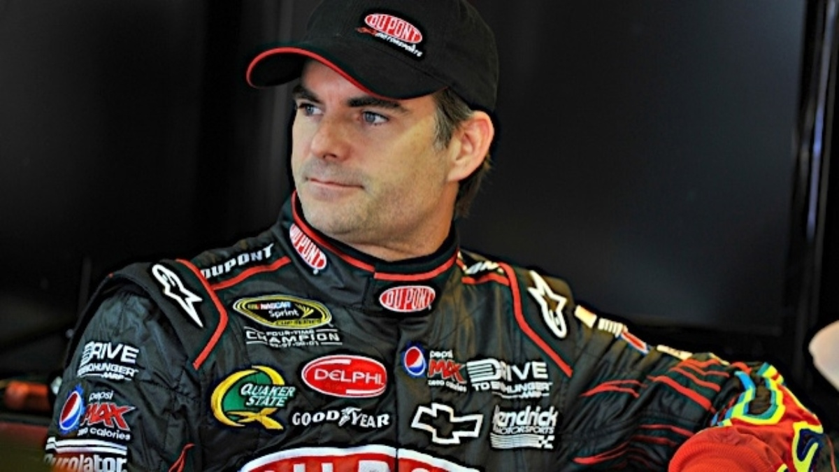 Gordon, Team DuPont riding momentum into Chase opener