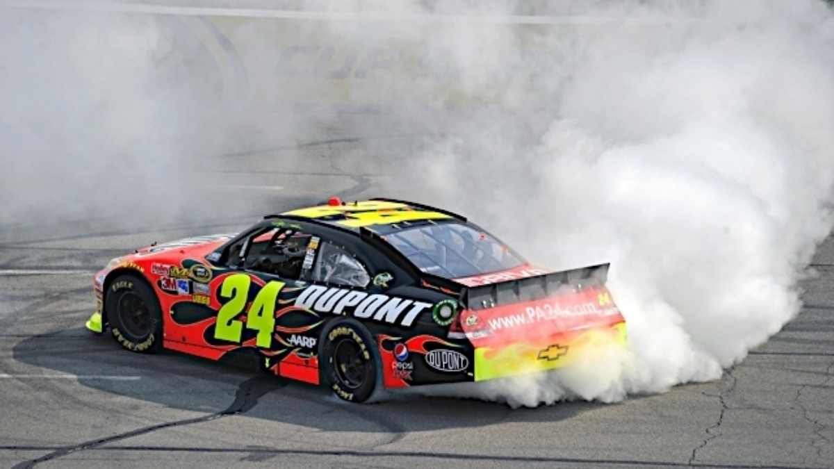 Gordon wins at Pocono, Hendrick teammates in top 18