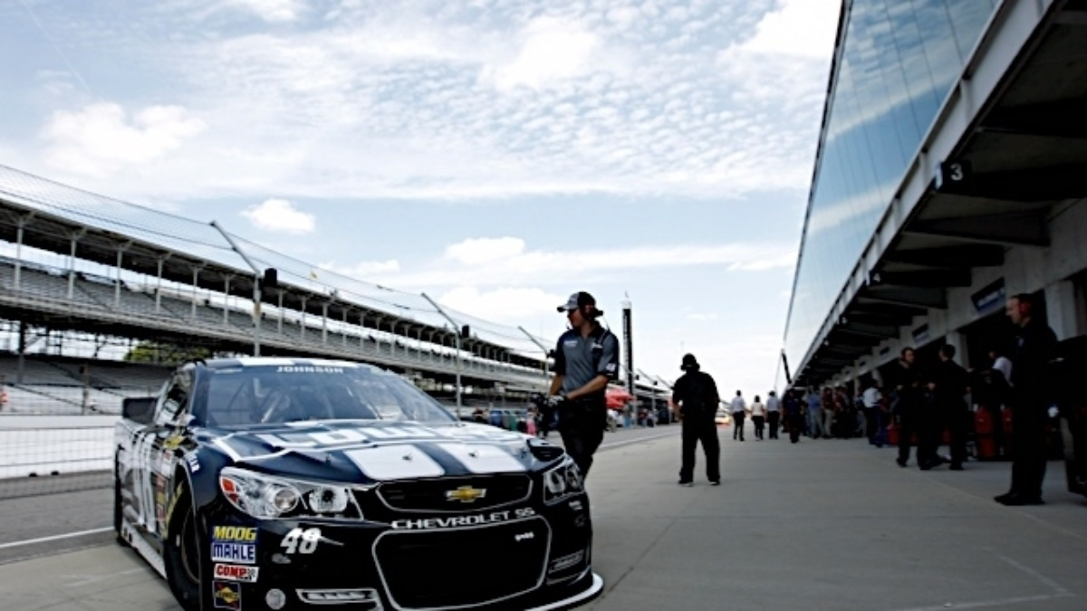 Hendrick Motorsports drivers to start in top 15 at Indianapolis