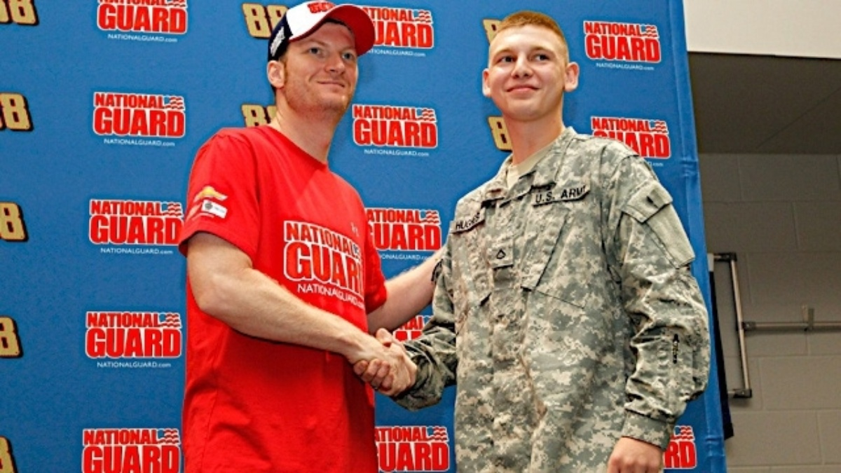 Hendrick Motorsports to help host HIring Our Heroes Job Expo on May 22 at NASCAR Hall of Fame