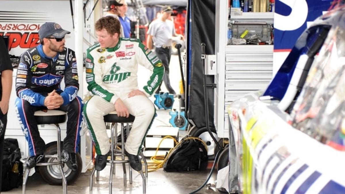 Hendrick drivers participate in Phoenix test