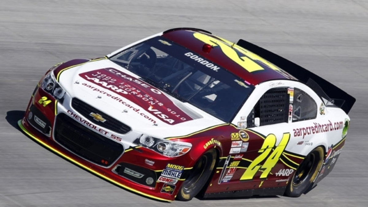 Jeff Gordon, Dale Earnhardt Jr. finish inside the top 10 at Dover