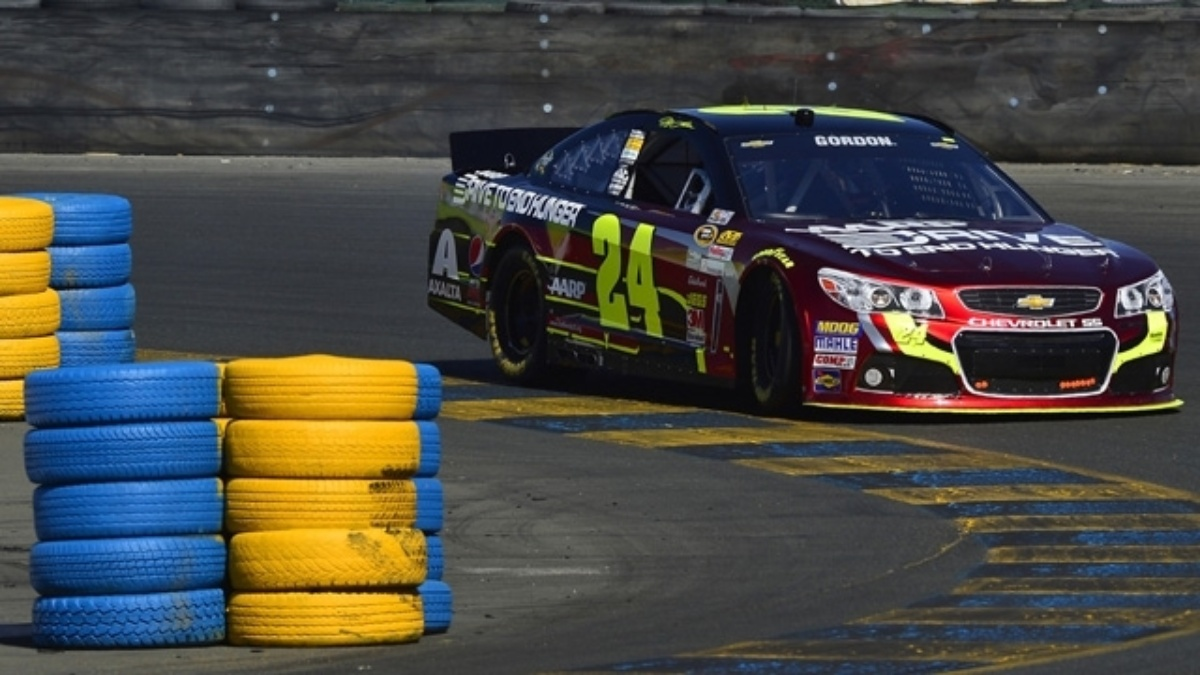 Jeff Gordon qualifies 10th, teammates in top 26 at Sonoma