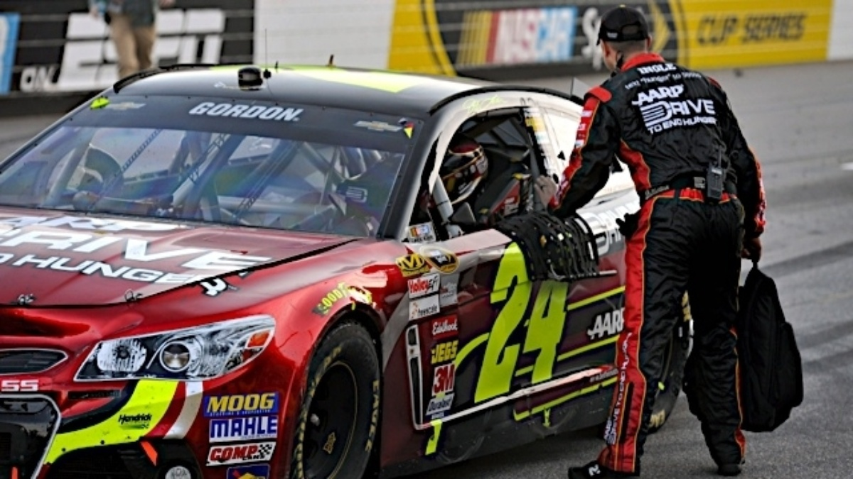 Jeff Gordon's Martinsville win clinches 37th Manufacturer title for Chevrolet