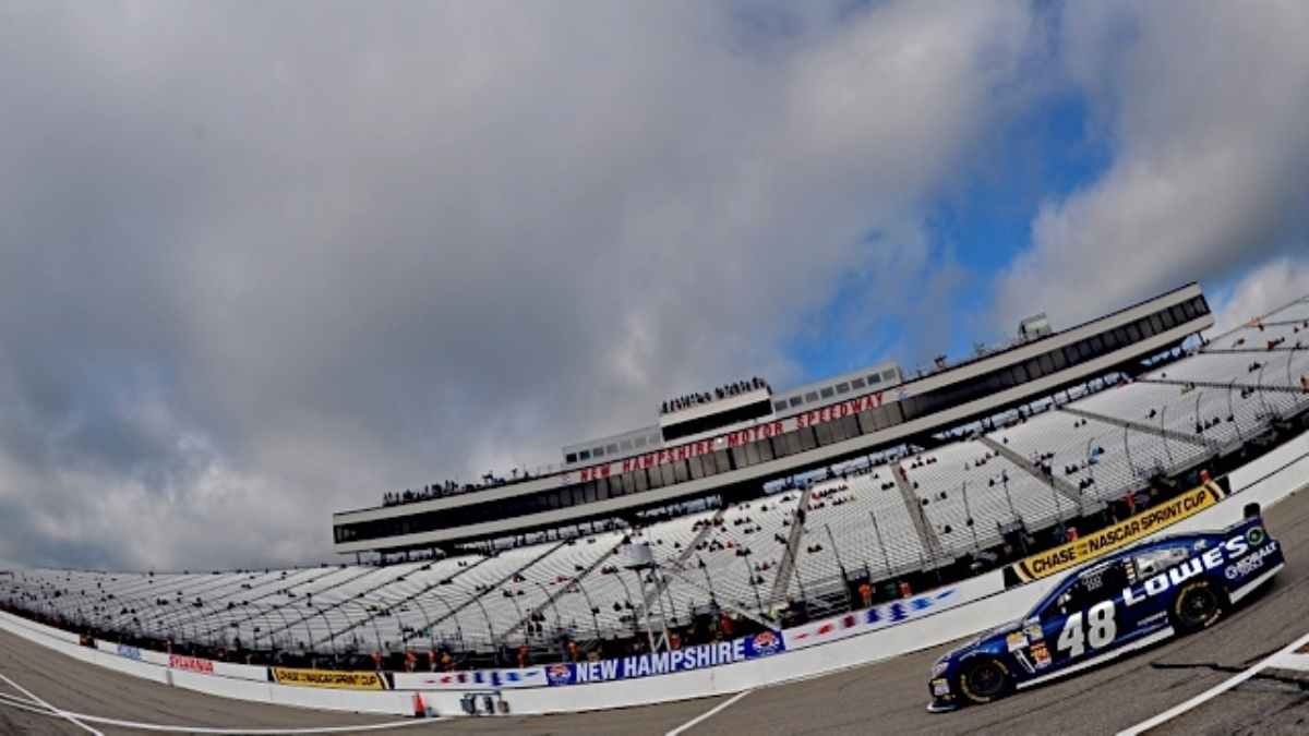 Jimmie Johnson, Dale Earnhardt Jr. finish in top six at New Hampshire