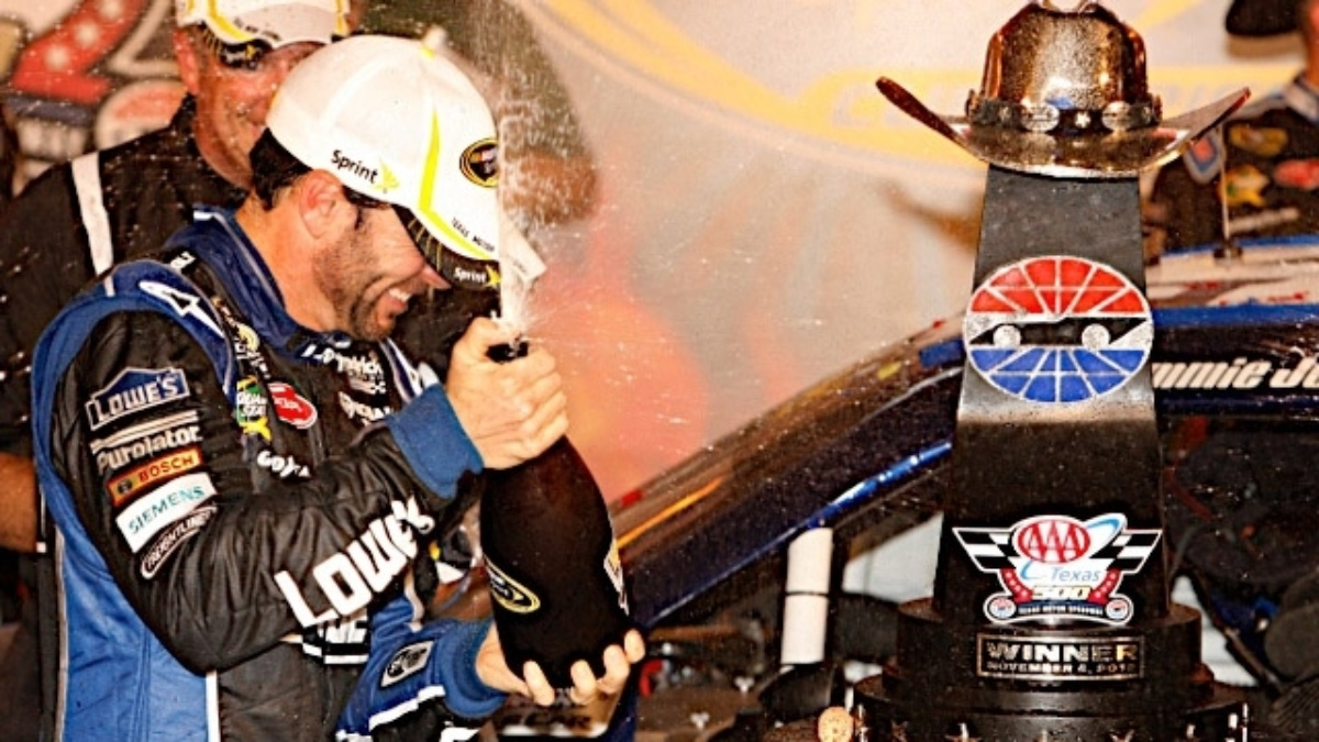 Jimmie Johnson scores 700th win for Chevy