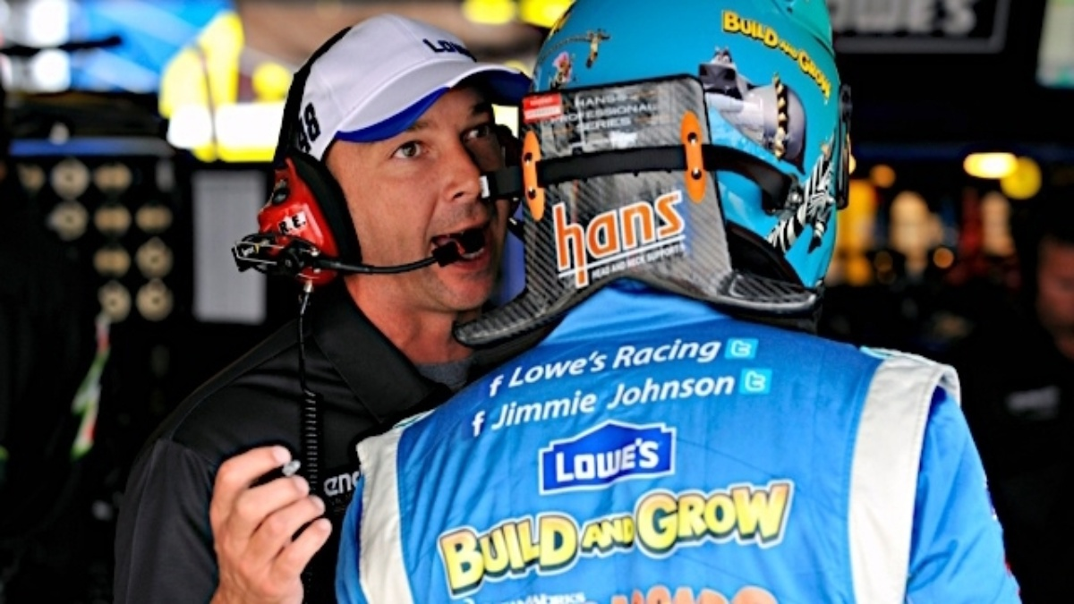 Johnson earns outside pole, teammates in top 17 in Dover qualifying