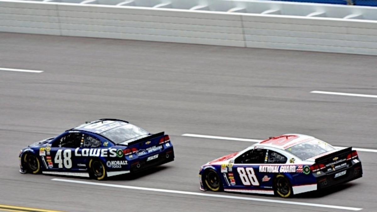 Johnson, Gordon and Earnhardt finish in top 17 at Talladega