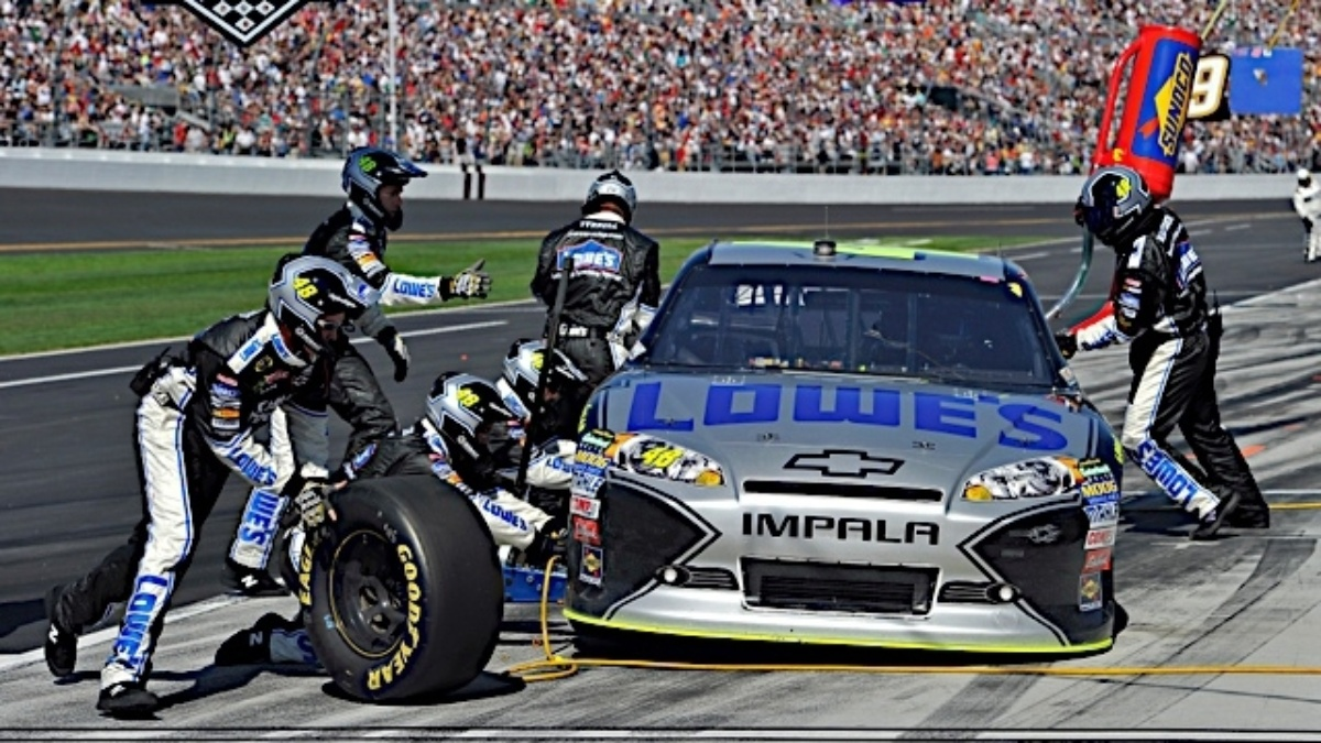 Johnson rides momentum into Martinsville
