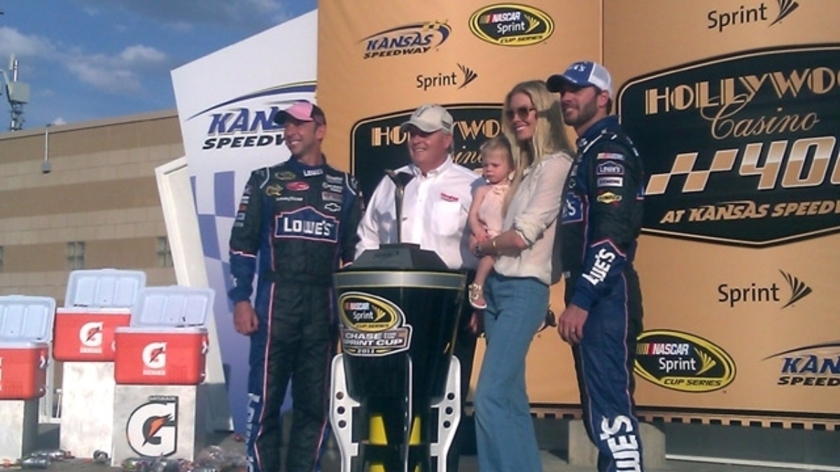 Johnson wins at Kansas, Hendrick nears milestone