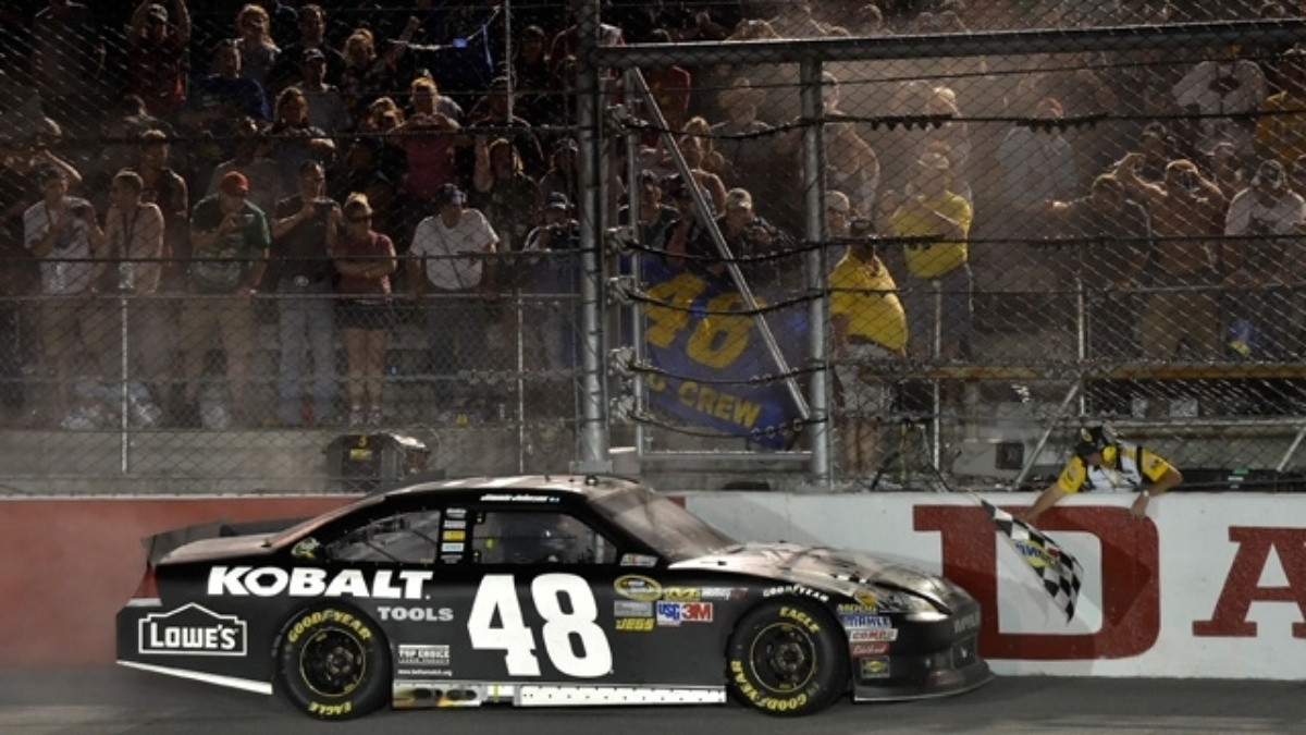 Johnson wins, earns Hendrick Motorsports' 200th NASCAR Cup victory