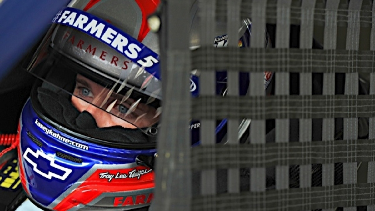 Kahne earns outside pole at Loudon, teammates in top 10