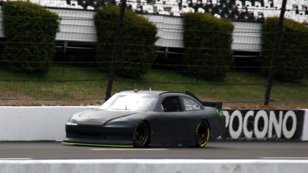 Kahne participates in Pocono tire test