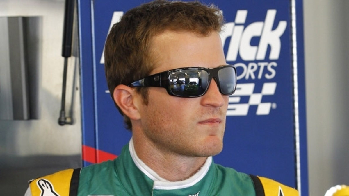 Kahne takes second, teammates finish in top six at Kentucky