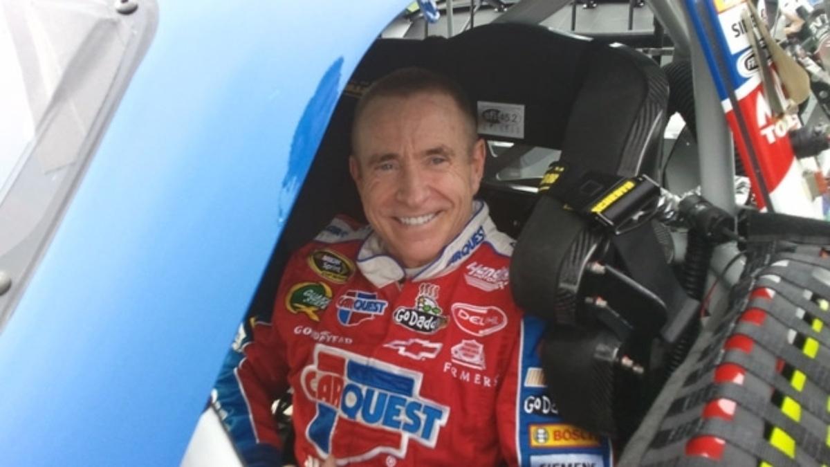 Martin scores pole, teammates in top eight at Daytona