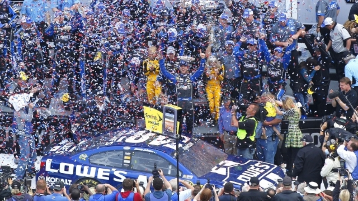 NASCAR announces Chase for the NASCAR Sprint Cup format change