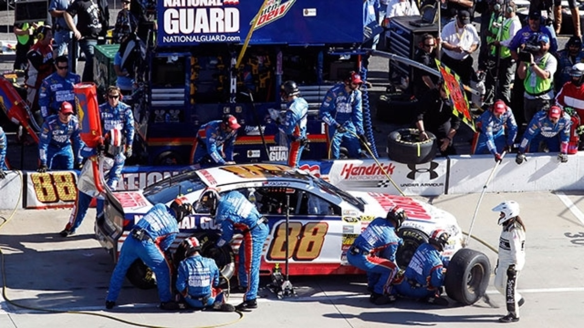 Nerve-wracking\' pit strategy helps Earnhardt find Victory Lane ...
