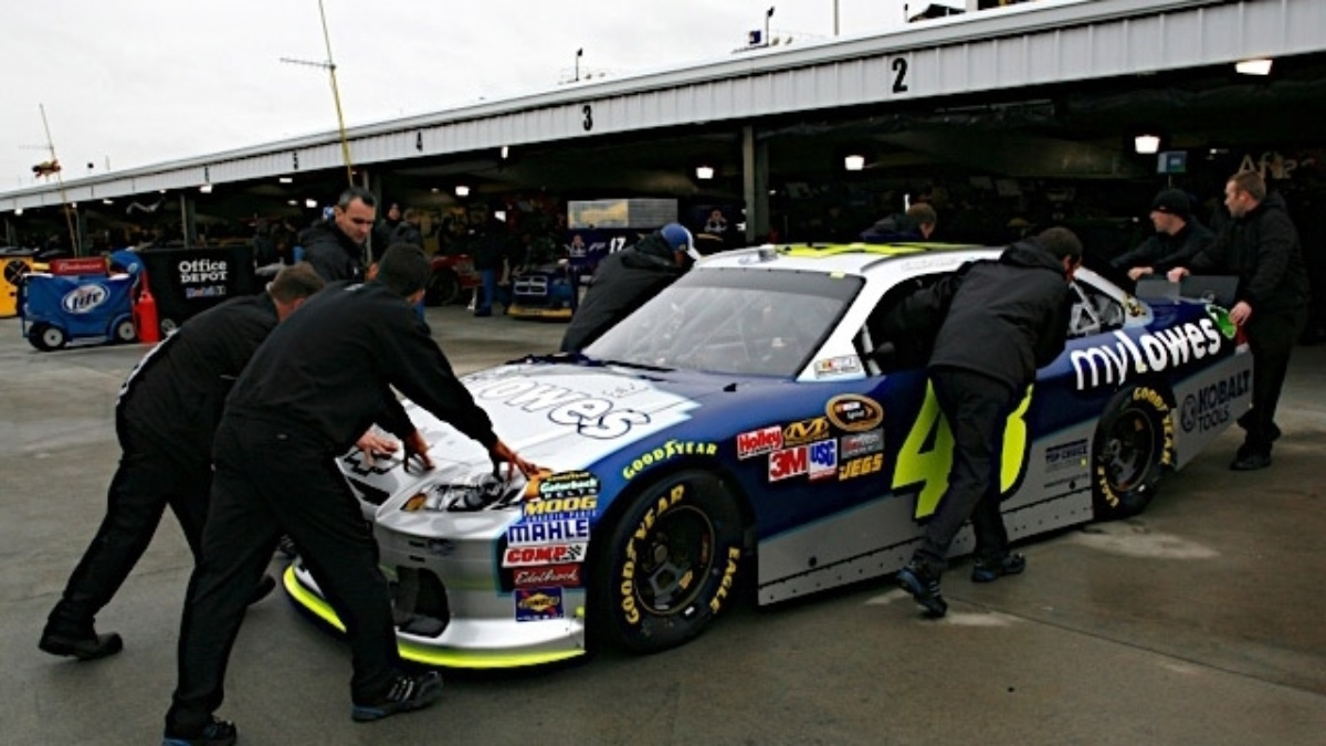 Qualifying canceled at Martinsville, Hendrick trio in top 10