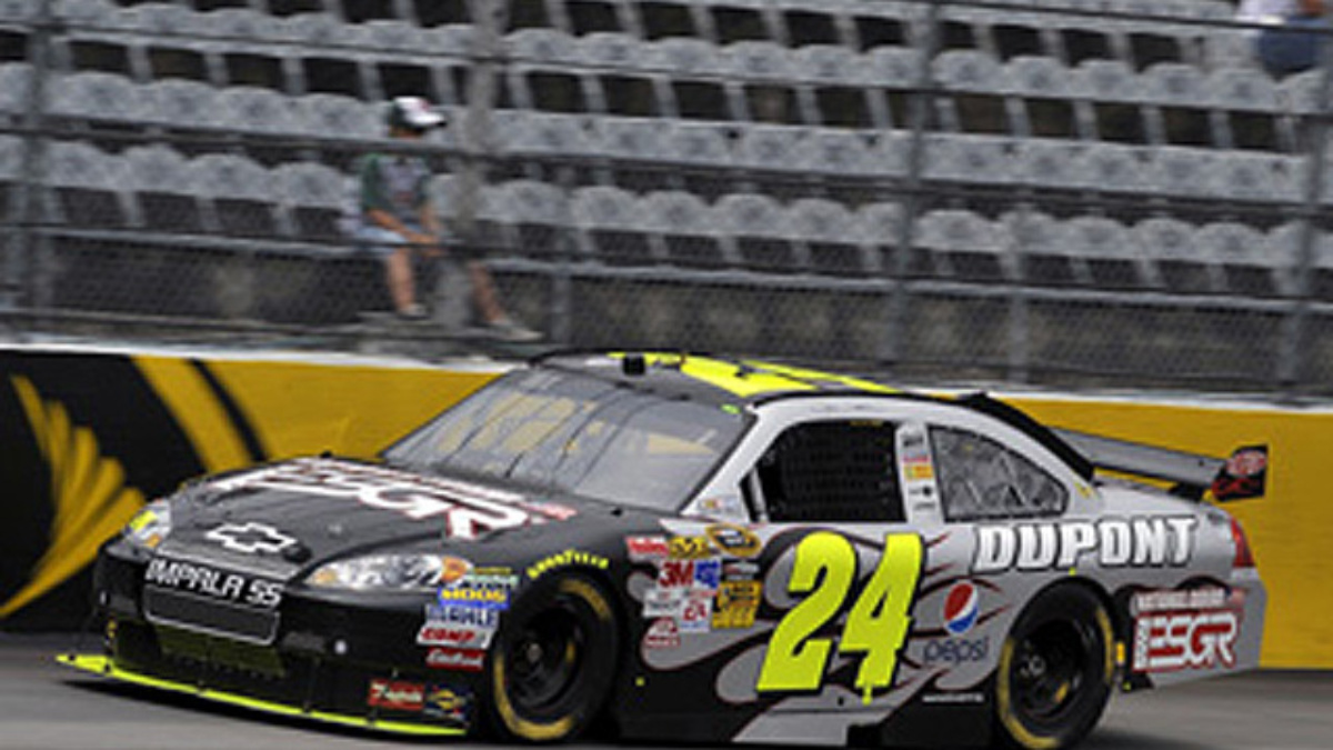 Darlington qualifying: Gordon on outside pole