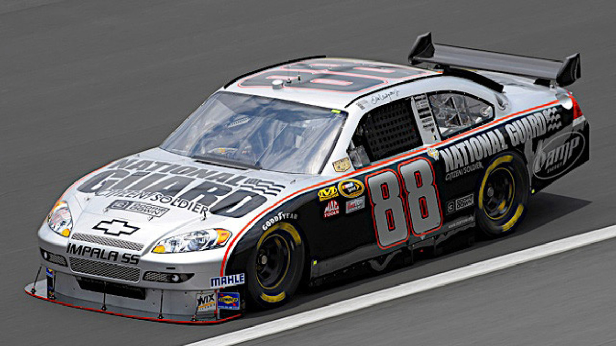 Earnhardt honors National Guard, NASCAR heritage with paint scheme