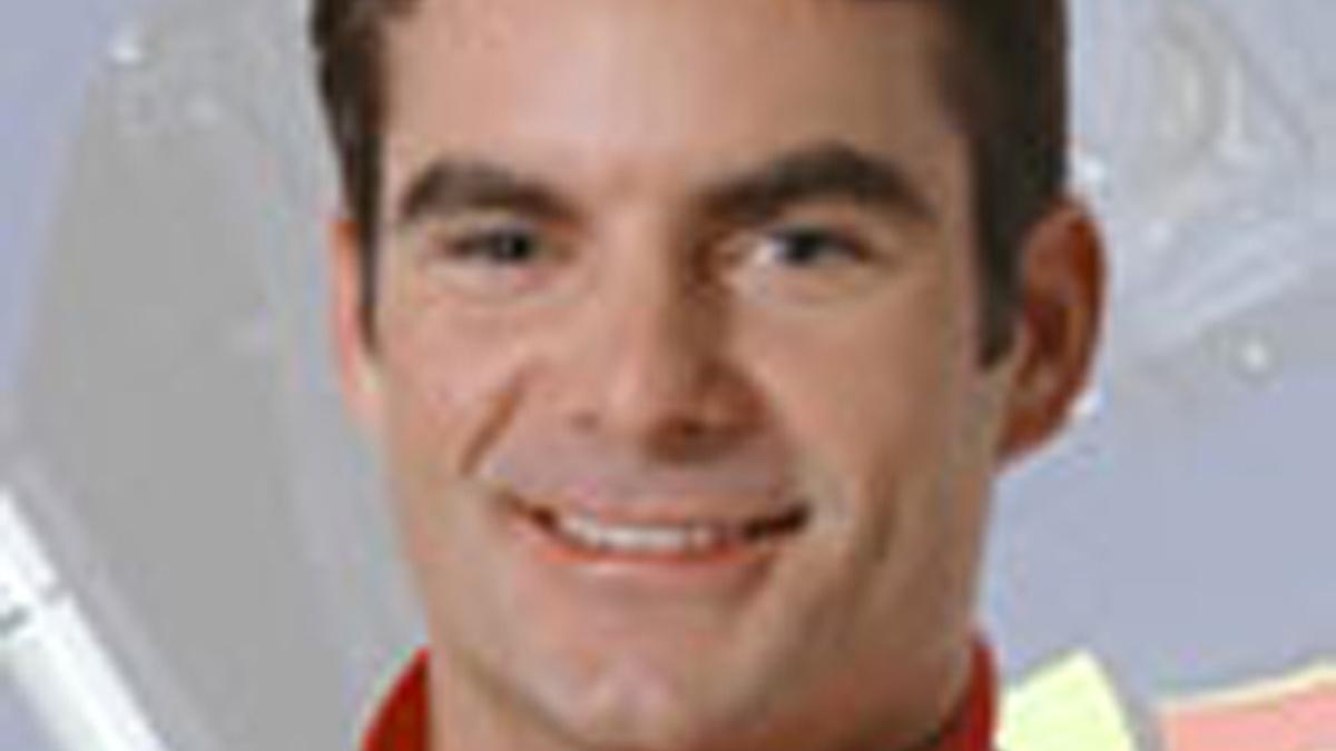Gordon Earns Third Pole of '03 at Bristol