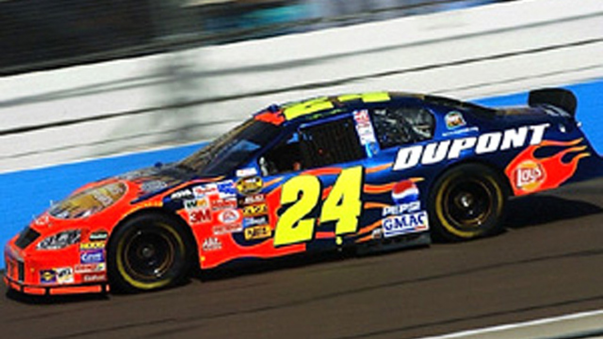 Gordon Gets Closer with Third-Place Finish at PIR