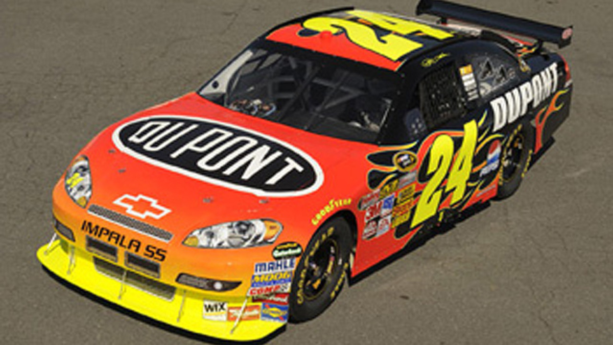 Gordon at home at Martinsville Speedway