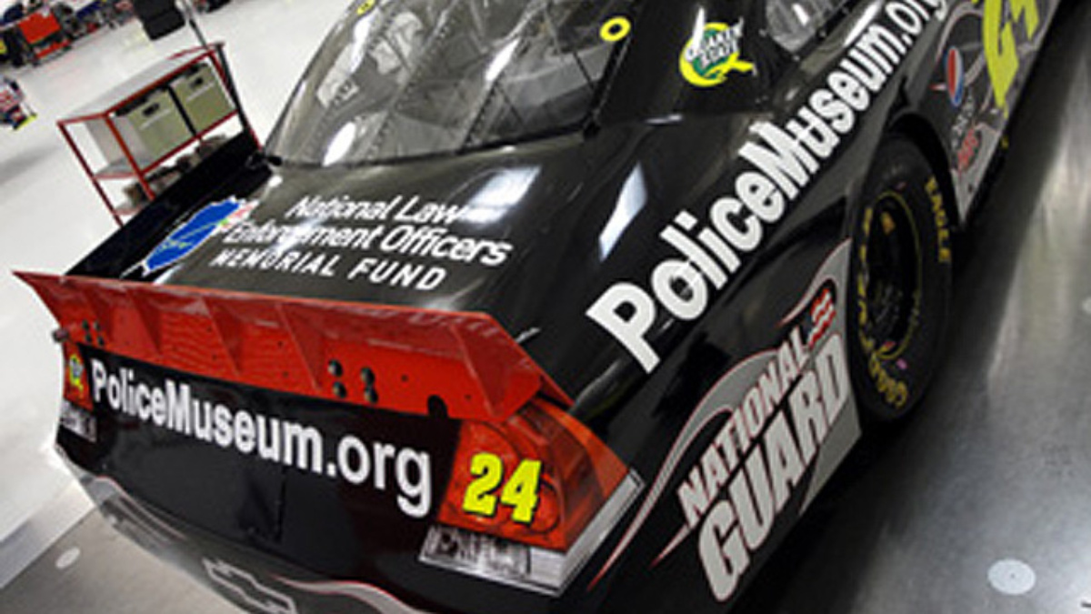 Gordon to honor National Law Enforcement with car at Dover