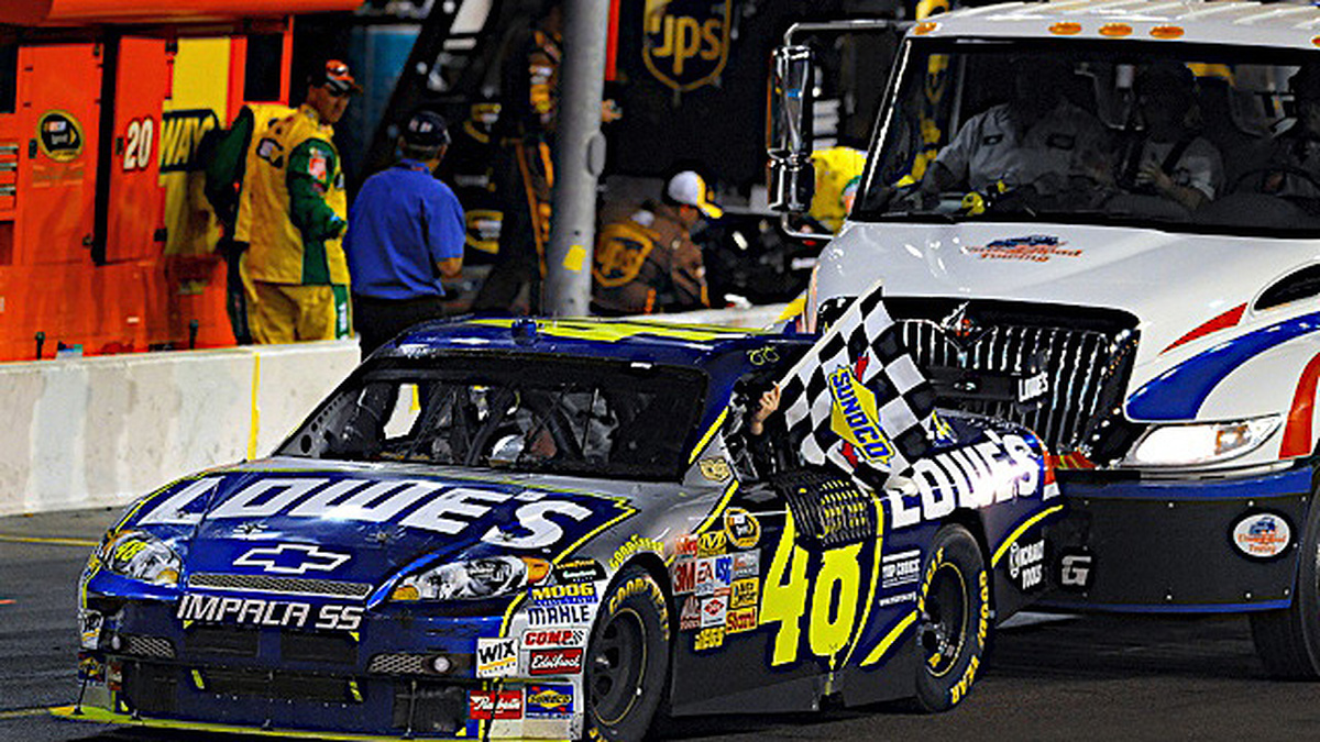 Hendrick teams keep streaks intact