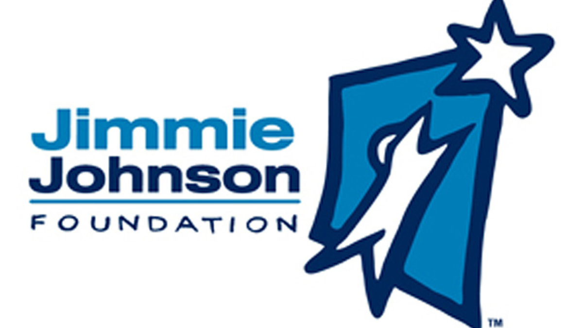 Jimmie Johnson Foundation partners with Phoenix Int'l Raceway