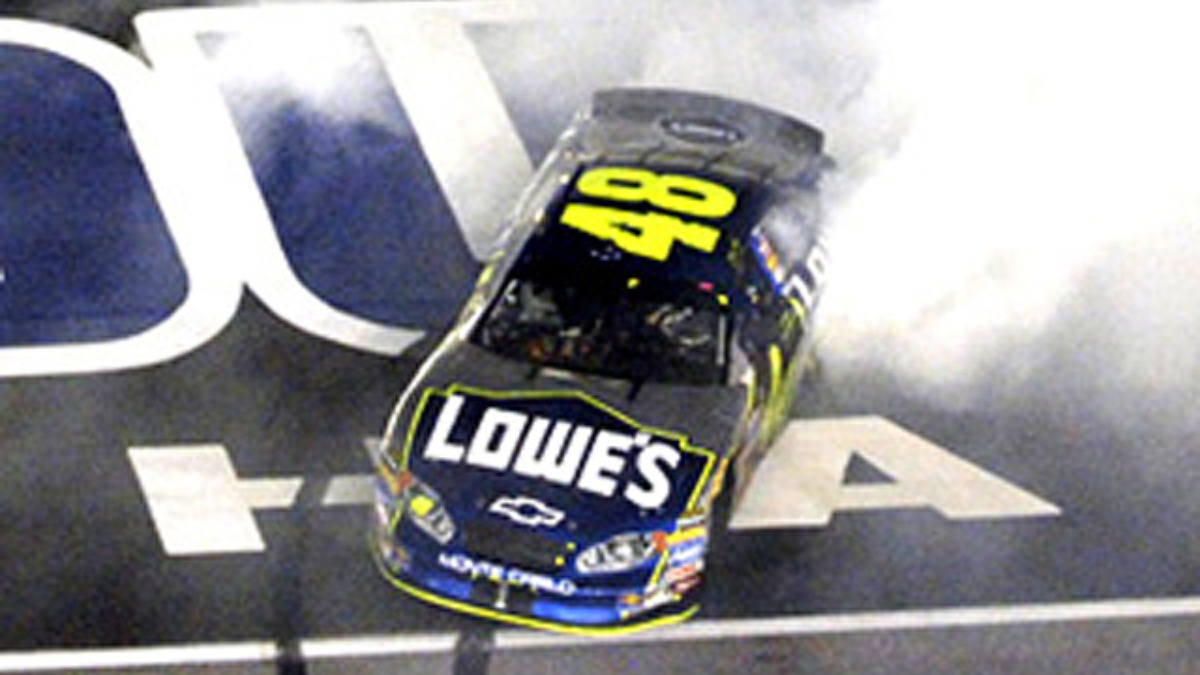 Johnson Gets Fifth Lowe's Win, Share of Points Lead
